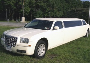 Image of CT Chrysler 300 Exterior white super stretches