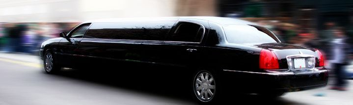 Picture of black stretch limo in Norwalk