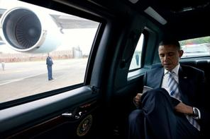 President Obama in his limo image