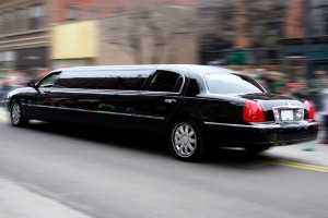 limo-ct-limousine-on-road