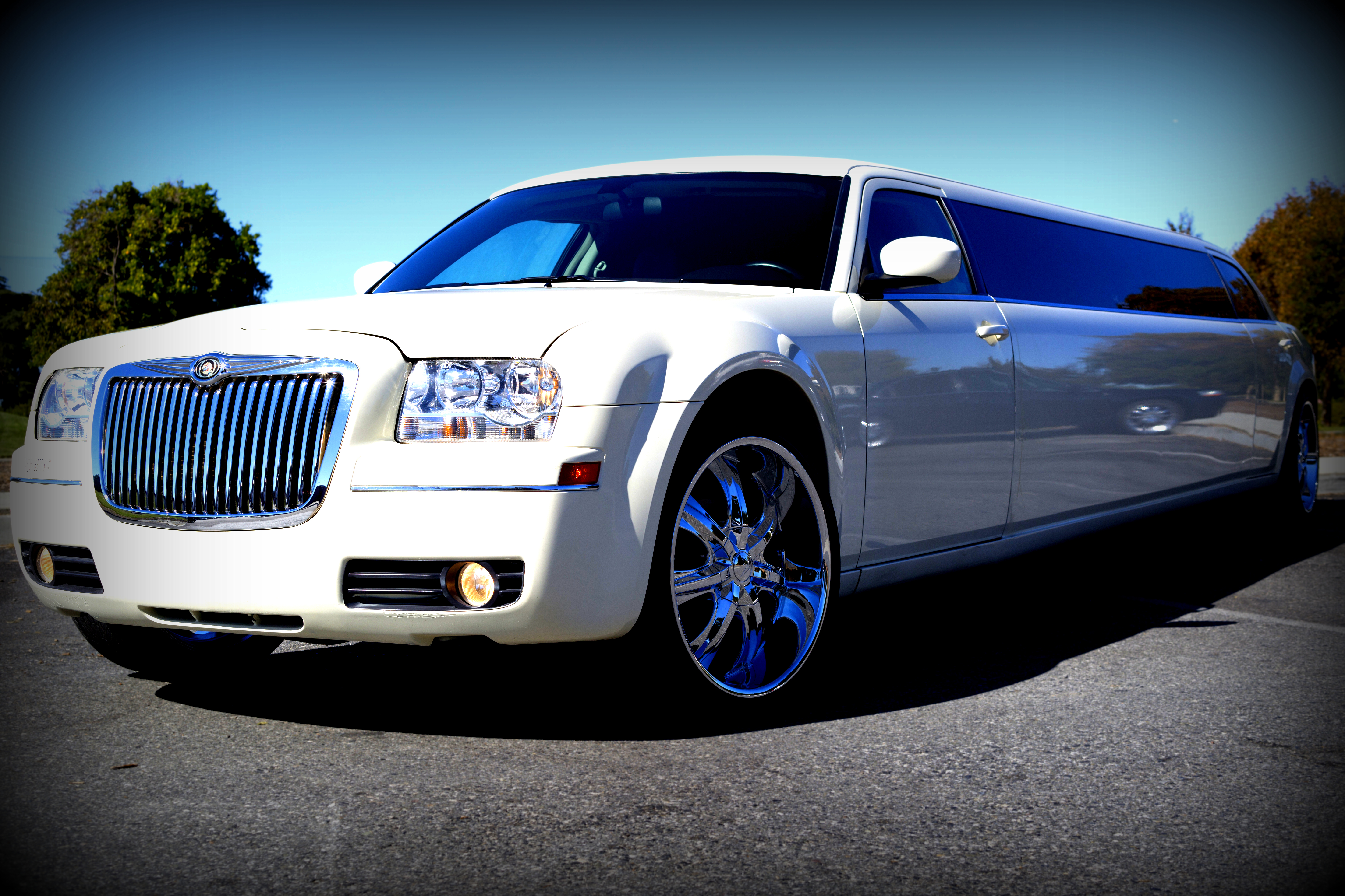 Chrysler Limo Limousines Of Connecticut - Chrysler 300 limo